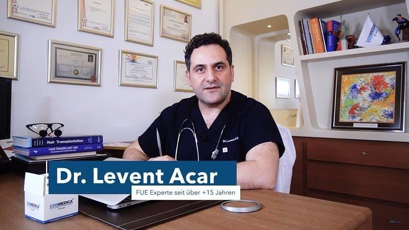Der deutschsprachige Arzt Dr. Acar empfiehlt in den meisten Fällen die FUE Methode