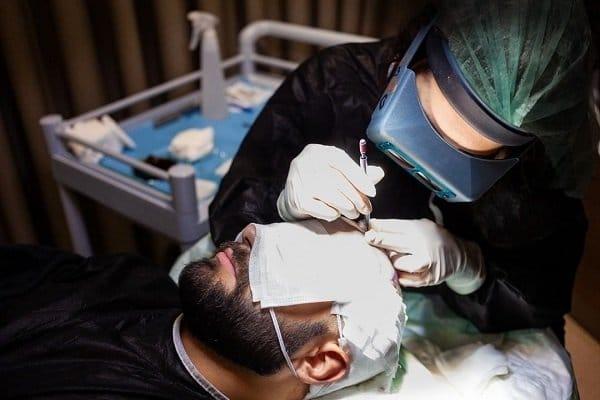 Saphir DHI Haartransplantation bei der Cosmedica Clinic