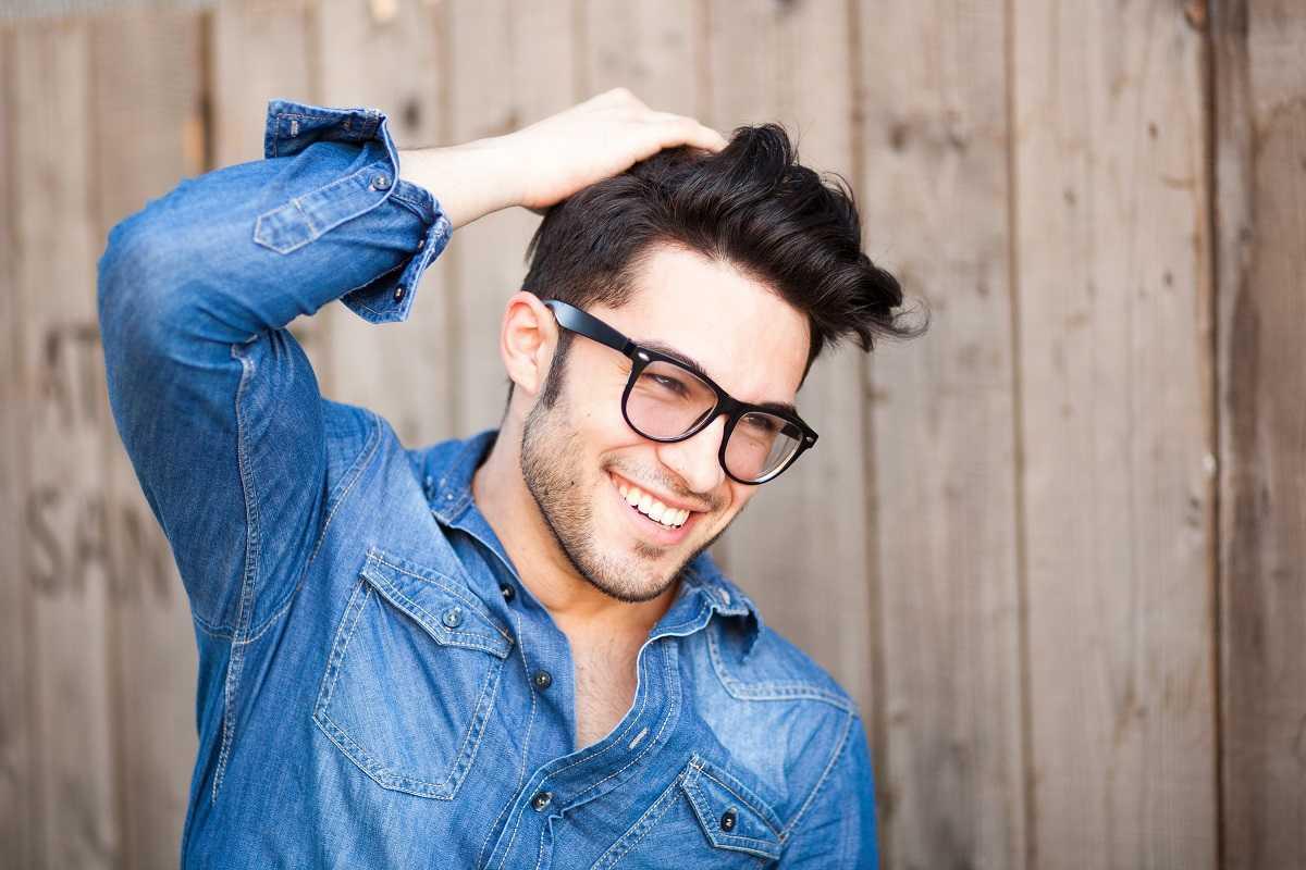 Haartransplantation Türkei - Mann mit vollem Haar