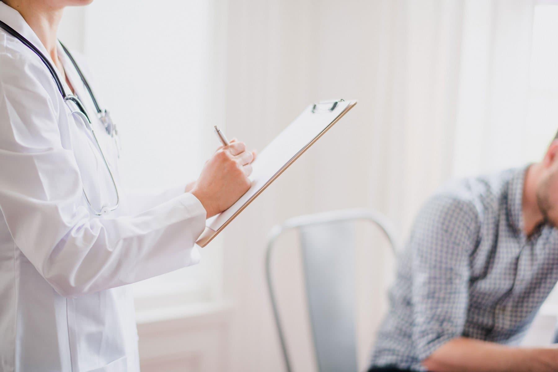 Androgenetischer Haarausfall zählt als Voraussetzung warum eine Haartransplantation durchgeführt werden sollte